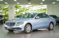 Cần bán lại xe Mercedes E200 đời 2017, màu xanh   giá 1 tỷ 990 tr tại Tp.HCM