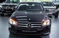 Cần bán Mercedes E250 đời 2018, màu đen, mới 99%, chỉ 20 km, và 2% thuế trước bạ giá 2 tỷ 439 tr tại Tp.HCM