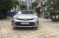 Cần bán Toyota Camry 2.0 AT năm 2017 số tự động giá 945 triệu tại Hà Nội