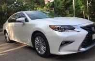 Bán Lexus Es250 2016, đăng ký 2017 xe đẹp đi ít, bao kiểm tra tại hãng giá 2 tỷ 35 tr tại Tp.HCM