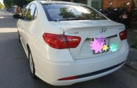 Bán gấp xe Hyundai Avante 1.6MT năm sản xuất 2015, màu trắng  giá 392 triệu tại Đà Nẵng