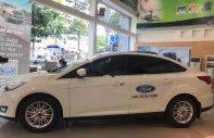 Bán Ford Focus Titanium 1.5L năm sản xuất 2018, màu trắng giá cạnh tranh giá 720 triệu tại Tp.HCM