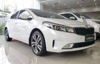 Bán ô tô Kia Cerato sản xuất 2018, màu trắng, nhập khẩu, giá tốt giá 589 triệu tại Tp.HCM