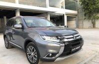 Bán ô tô Mitsubishi Outlander sản xuất năm 2018, hỗ trợ trả góp, có xe giao ngay, LH 0905.499.985 ép giá giá 807 triệu tại Quảng Nam