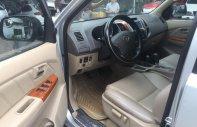 Bán xe Fortuner V, sx 2010, 2 cầu, số tự động, màu bạc.  giá 550 triệu tại Tp.HCM