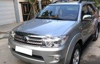 Cần bán Fortuner 2010, số tự động, máy xăng, màu bạc giá 512 triệu tại Tp.HCM