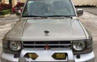Cần bán gấp Mitsubishi Pajero 3.5 năm 2006, màu vàng, 256 triệu giá 256 triệu tại Bắc Kạn