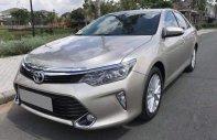 Cần bán gấp Toyota Camry 2.0AT năm sản xuất 2018, màu vàng, giá chỉ 938 triệu giá 938 triệu tại Tp.HCM