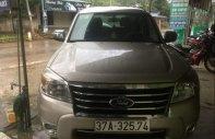 Cần bán gấp Ford Everest đời 2009 số sàn giá 456 triệu tại Nghệ An