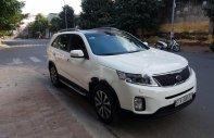 Bán xe Kia Sorento màu trắng máy xăng, số tự động giá 715 triệu tại Tp.HCM