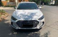 Cần bán lại xe Hyundai Elantra 2.0AT sản xuất 2018, màu trắng, 655 triệu giá 655 triệu tại Ninh Bình
