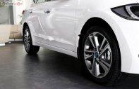 Cần bán xe Hyundai Elantra 2.0 AT 2019, màu trắng, mới 100% giá 659 triệu tại Tp.HCM