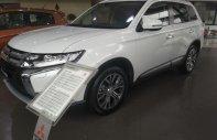Cần bán xe Mitsubishi Outlander 2.0, màu trắng giá 807 triệu tại Hà Nội