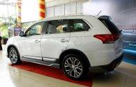 Cần bán xe Mitsubishi Outlander sản xuất năm 2019, màu trắng giá 807 triệu tại Quảng Nam