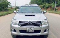 Cần bán gấp Toyota Hilux năm sản xuất 2015, màu bạc, 500 triệu giá 500 triệu tại Nghệ An