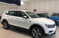 Cần bán Volkswagen Tiguan Allspace năm sản xuất 2018, màu trắng, nhập khẩu  giá 1 tỷ 729 tr tại Tp.HCM
