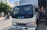 Bán xe tải JAC 2 tấn 4 thùng kín, có tải trọng 2390kg, lòng thùng hàng dài lến đến 4m3 giá 386 triệu tại Tp.HCM