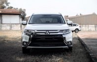 Mitsubishi Outlander 2.0 CVT Premium 2019, màu trắng, hỗ trợ 80%. Liên hệ 0969 496 596 để nhận thêm ưu đãi giá 908 triệu tại Tp.HCM