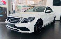 Bán Mercedes C200 Exclusive năm sản xuất 2019, màu trắng giá 1 tỷ 709 tr tại Tp.HCM
