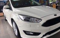 Bán xe Ford Focus sản xuất 2018, màu trắng, giá tốt giá 570 triệu tại Tp.HCM