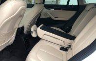 Chính chủ bán gấp BMW X1 1.5 AT sản xuất 2018, màu trắng giá 1 tỷ 650 tr tại Hà Nội