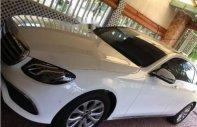 Cần bán xe Mercedes E200 năm 2017, màu trắng, nhập khẩu nguyên chiếc, mới 99% giá 1 tỷ 995 tr tại Bình Dương