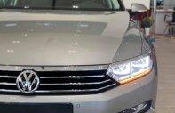 Bán Volkswagen Passat 1.8 Bluemotion 2017, màu vàng, nhập khẩu nguyên chiếc giá 1 tỷ 400 tr tại Tp.HCM