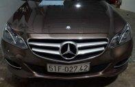 Cần bán xe Mercedes E250 năm sản xuất 2014, màu nâu, tất cả đều nguyên zin giá 1 tỷ 339 tr tại Tp.HCM