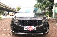 Cần bán xe Kia Sedona DATH năm sản xuất 2017, màu nâu giá 1 tỷ 98 tr tại Hà Nội
