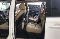 Bán xe Kia Sedona đời 2019, màu trắng giá 1 tỷ 209 tr tại Tp.HCM