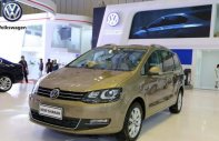 Bán Volkswagen Sharan đời 2017, màu vàng, nhập khẩu  giá 1 tỷ 690 tr tại Khánh Hòa