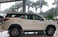 Bán xe Toyota Fortuner 2.8V 4x4 AT năm 2019, màu trắng giá 1 tỷ 354 tr tại Hà Nội