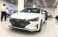 Bán xe Hyundai Elantra 2.0AT sản xuất 2019, màu trắng giá 666 triệu tại Hà Nội