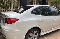 Cần bán Hyundai Avante 2.0 AT đời 2011, màu trắng giá 370 triệu tại Nghệ An