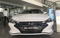 Hyundai Elantra 1.6 AT, màu trắng, giao ngay, khuyến mãi lên đến 50 triệu, gọi ngay để nhận ưu đãi: 093 215 4986 giá 655 triệu tại Tp.HCM