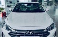 Bán Hyundai Elantra năm sản xuất 2019, màu trắng, 655 triệu giá 655 triệu tại Cần Thơ