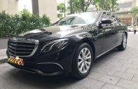 Bán xe Mercedes E200 năm sản xuất 2017, màu đen giá 1 tỷ 790 tr tại Tp.HCM