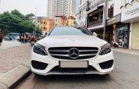 Chính chủ bán xe Mercedes C300 AMG đời 2018, màu trắng giá 1 tỷ 720 tr tại Hà Nội