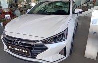Xe Hyundai Elantra, màu trắng chạy kinh doanh lý tưởng+ xe giao ngay + Trả trước chỉ 15% giá 560 triệu tại Tp.HCM