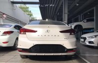 Cần bán xe Hyundai Elantra 1.6MT đời 2019, màu trắng giá 550 triệu tại Tp.HCM