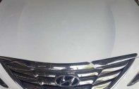 Bán xe Hyundai Sonata đời 2012, màu trắng xe xe còn mới lắm giá 568 triệu tại Tp.HCM