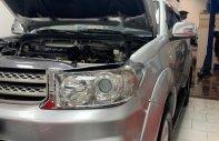 Cần bán Toyota Fortuner 2.5G đời 2011, màu bạc xe còn mới nguyên giá 615 triệu tại Lâm Đồng
