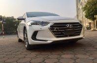 Bán Hyundai Elantra 2.0 năm sản xuất 2016, màu trắng, số tự động giá 578 triệu tại Hà Nội