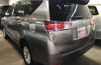 Cần bán gấp Toyota Innova năm 2017, màu vàng, 640tr giá 640 triệu tại Hà Nội