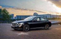 Cần bán nhanh chiếc xe Mercedes-Benz C 200 Exclusive, đời 2019, màu đen - Giá cạnh tranh giá 1 tỷ 709 tr tại Tp.HCM