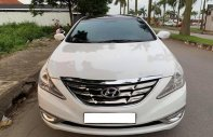 Bán Hyundai Sonata sản xuất năm 2010, màu trắng số tự động giá 476 triệu tại Tp.HCM