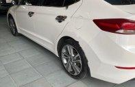 Bán ô tô Hyundai Elantra 2.0 đời 2018, màu trắng, giá tốt giá 620 triệu tại Khánh Hòa