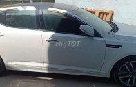 Cần bán lại xe Kia Optima 2016, màu trắng, xe nhập, giá tốt giá 700 triệu tại Tp.HCM