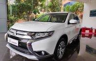 Hotline: 0868.456.676 - Liên hệ đặt ngay chiếc Mitsubishi Outlander 2.0 CVT đời 2019, màu trắng giá 909 triệu tại Hà Nội