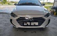 Cần bán gấp Hyundai Elantra sản xuất năm 2017, màu trắng giá Giá thỏa thuận tại Thái Bình